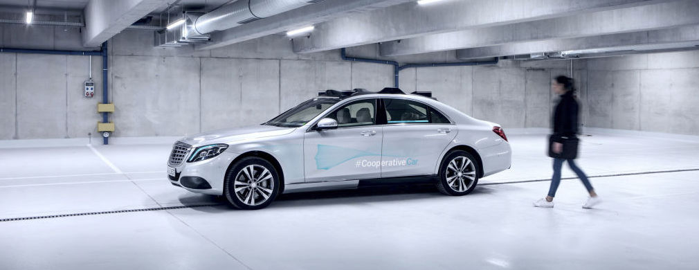 Mercedes-Benz builds the communicative Cooperative Car