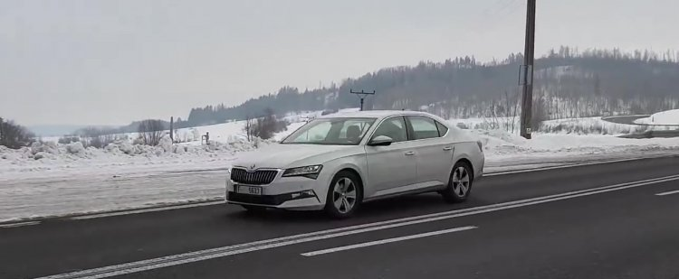 2019 Skoda Superb (facelift) spied on its home turf
