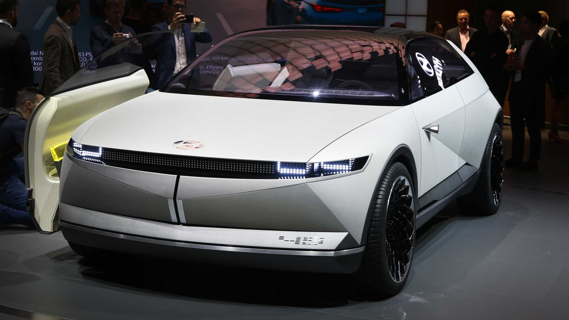 Hyundai 45 Concept Draws Inspiration From Past, Looks Into Future