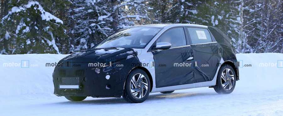 New Hyundai i20 Refuses To Show Face In New Spy Shots