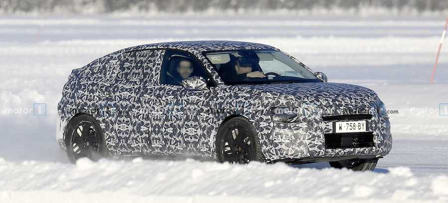 Citroen C4 Spy Photos Show Crossover Cold-Weather Testing