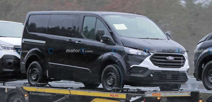 Next-gen Ford Transit/Tourneo Custom Spied For The First Time