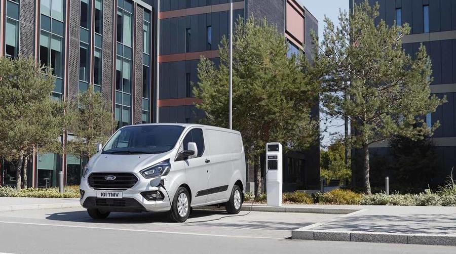 2023 Ford Transit Custom, VW Transporter to gain EV versions