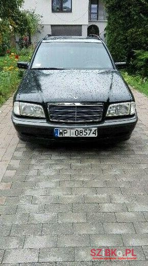 2000 Mercedes-Benz Inne в Варшава, Польща